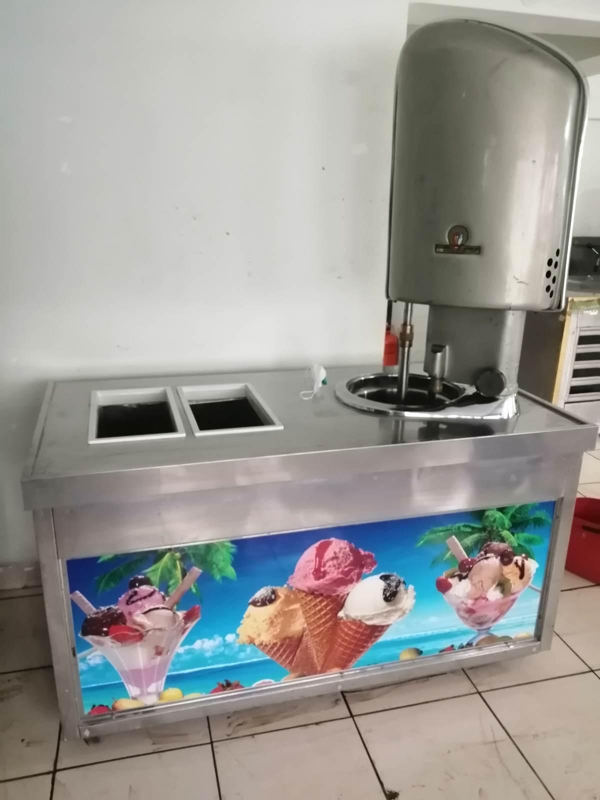 dondurma makinasi reyon dolap kazan